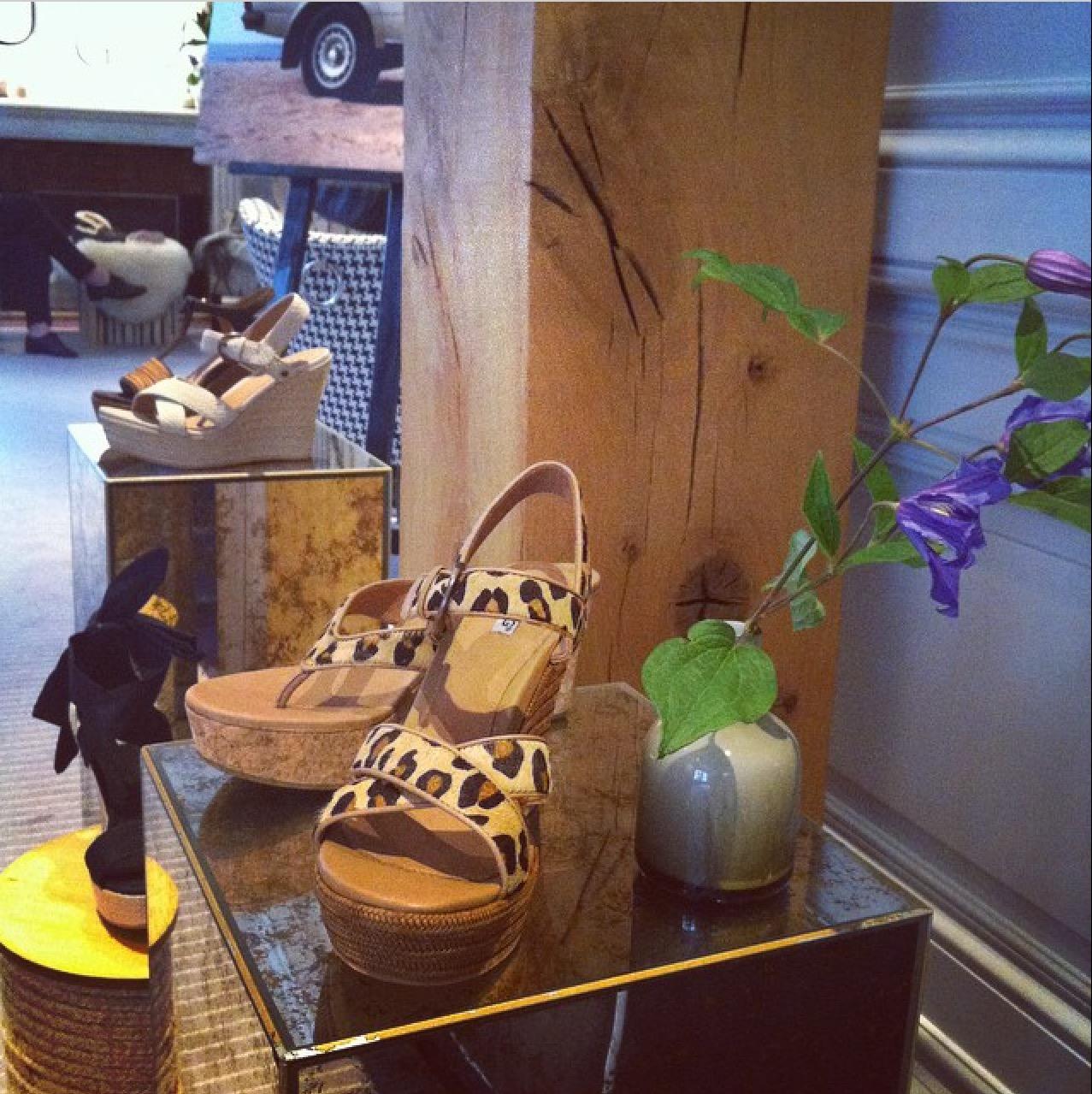 sandalias-cuna-coleccion-zapatos-ugg-para-mujer