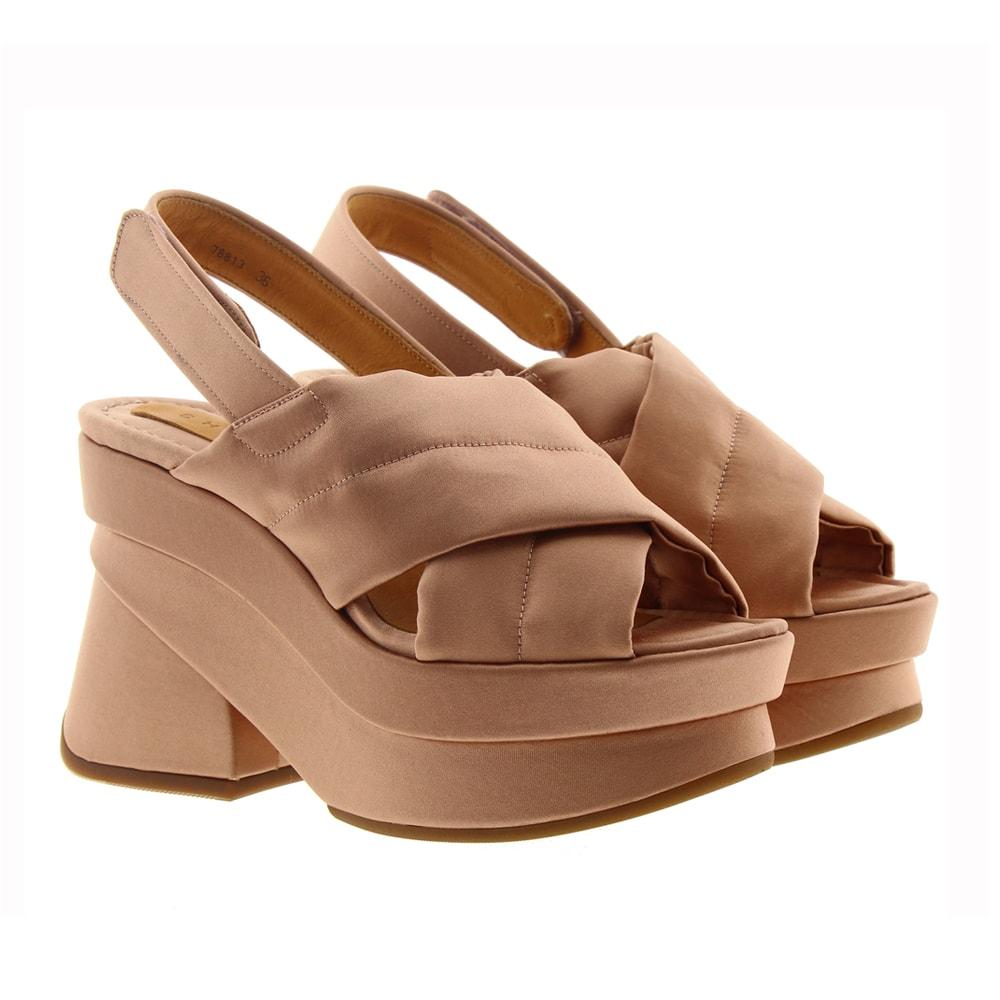 Sandalia raso plataforma Chie Mihara Vroom