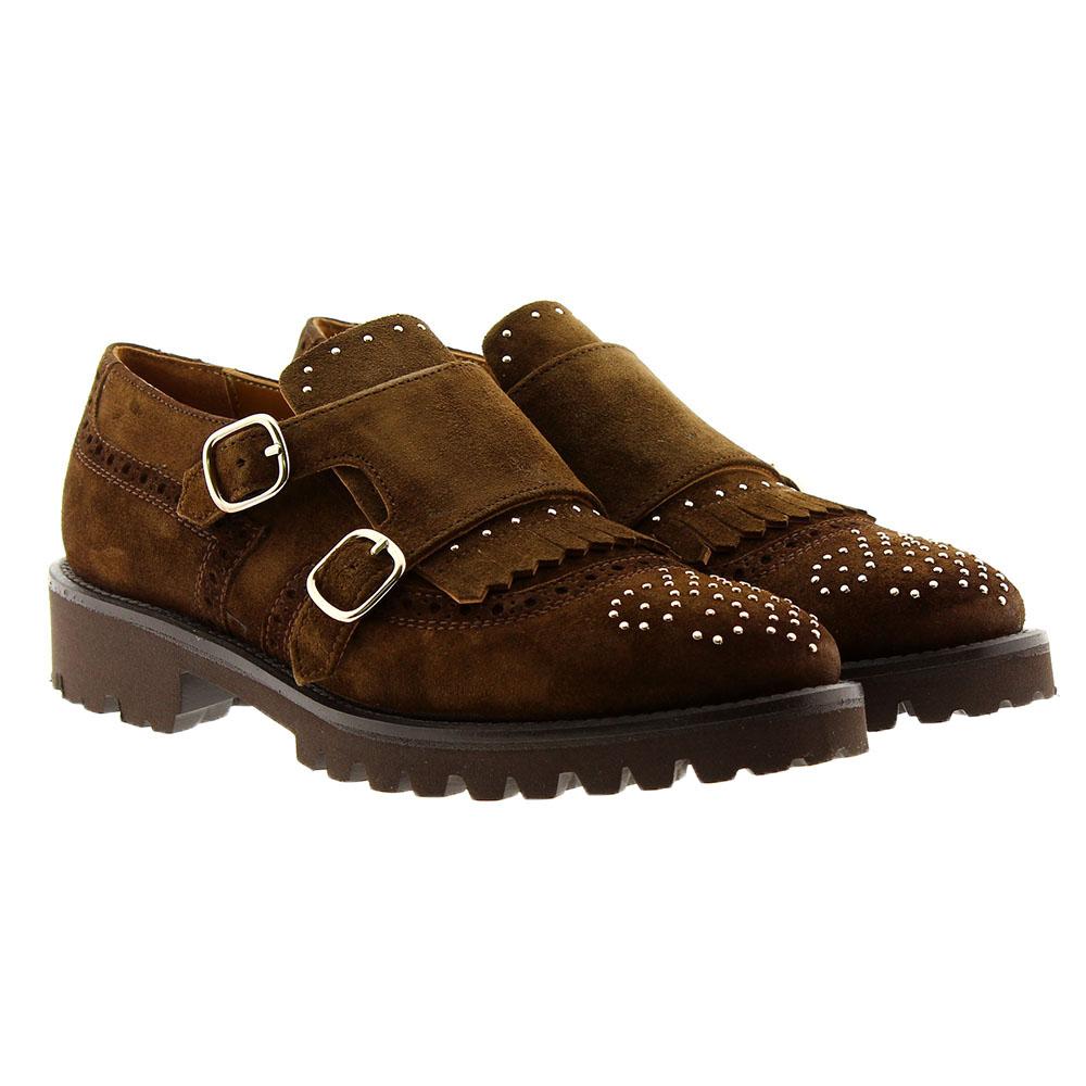 Zapato plano hebillas adorno tachas y flecos Calce 807