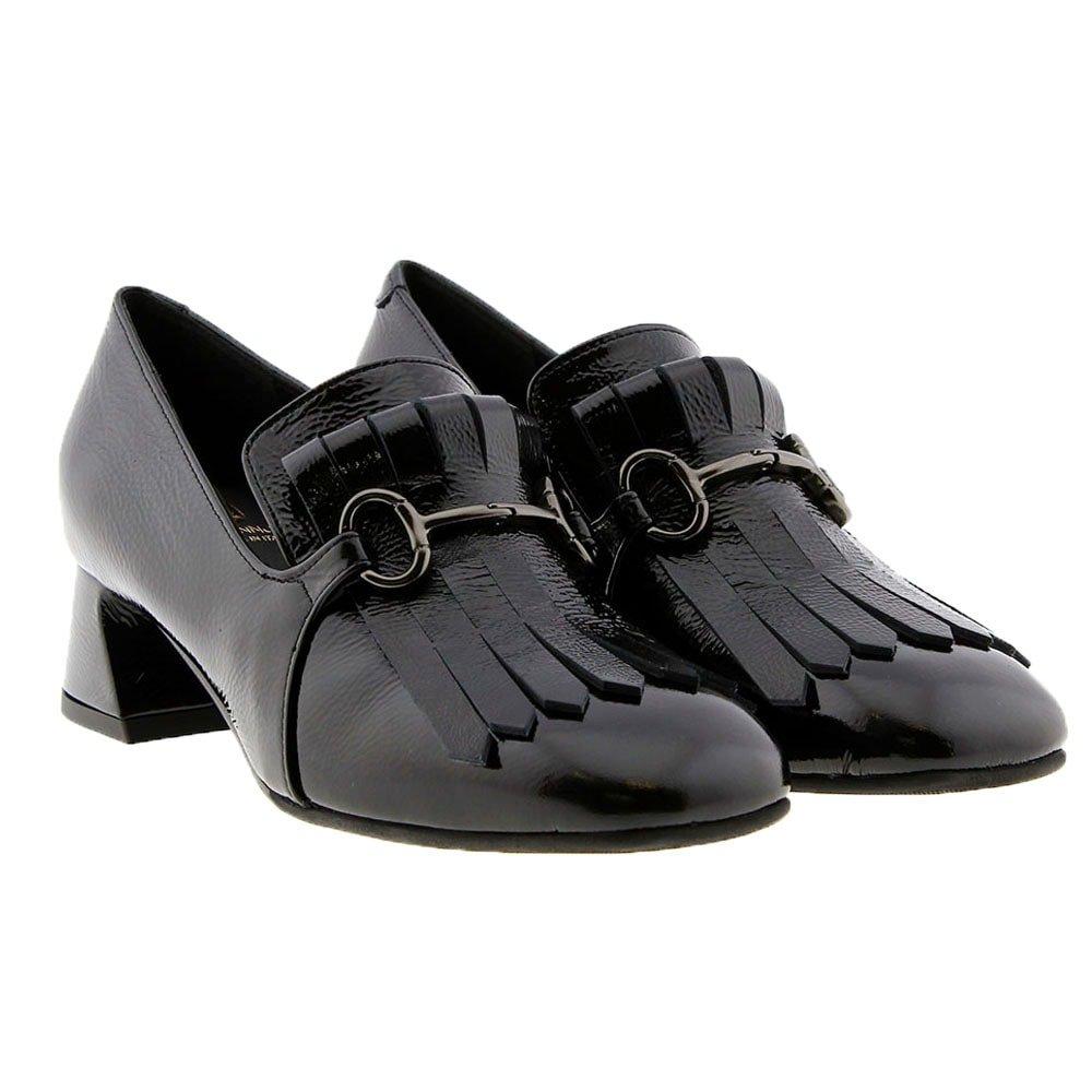 Zapato charol lengüeta flecos tacón Jeannot 85150